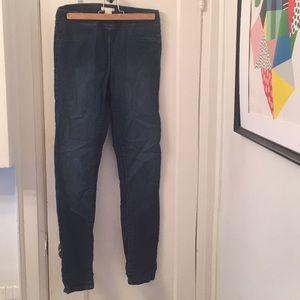 Stretchy skinny jean